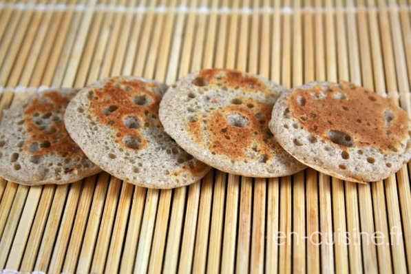 recette mini blinis au thermomix en cuisine. Black Bedroom Furniture Sets. Home Design Ideas